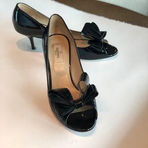 Valentino Bow Black Patent Leather Pumps sz 9